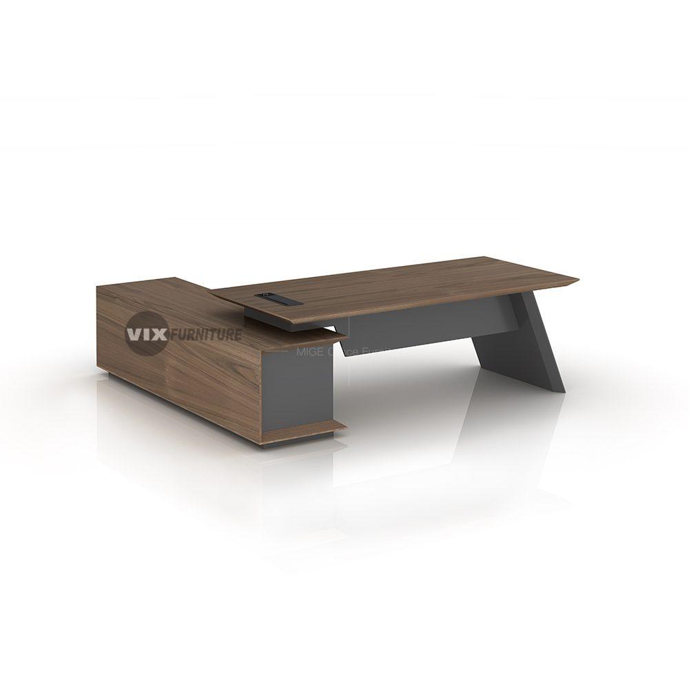VixBLD03 Senior Leadership Desk